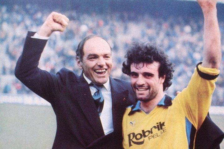 Casale e Vinicio festeggiano dopo la vittoria - Pisa Inter 0 1